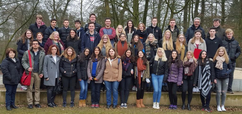 Deutsch-türkische Gruppe zu Besuch an der Angelaschule